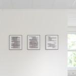 """Pohled do instalace výstavy Janka Simona """"Průnik""""."""